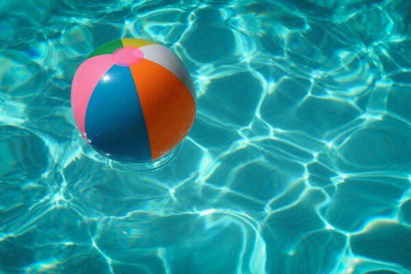 Regras para utilização da piscina em condomínio